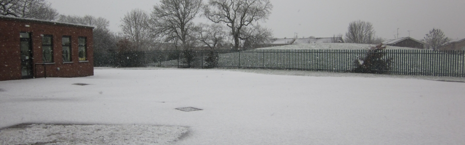 Snow at school 018.JPG